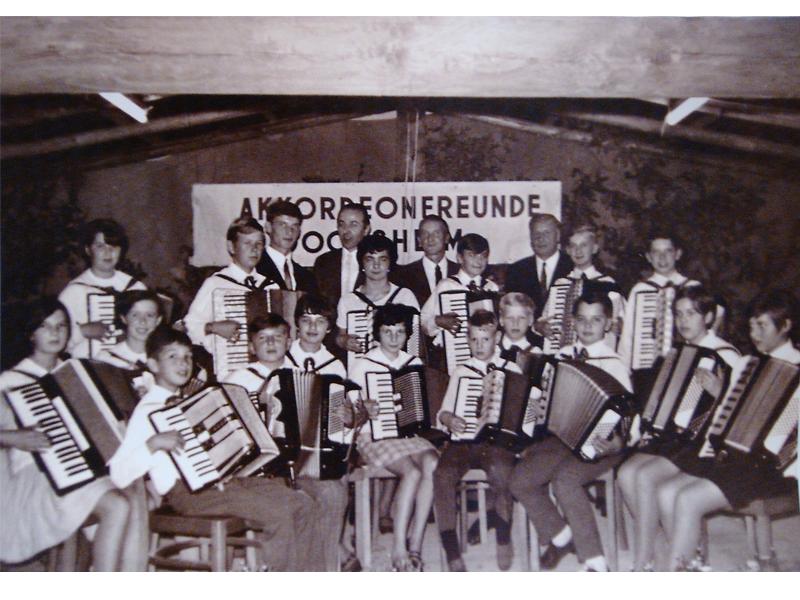 Gründungsfoto der Akkordeon-Freunde Gochsheim aus dem Jahre 1968